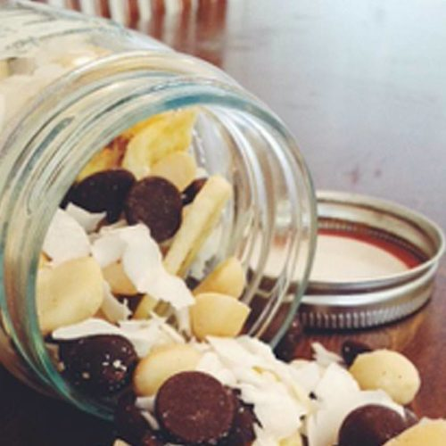 Tropical-Chocolate-Trail-Mix-800